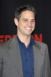 Greg Berlanti Künstlerporträt 561449 Berlanti, Greg / Warner Bros. Pictures Introduces Upcoming Films at ShoWest, 2010