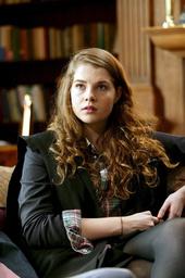 Lucy Boynton Filmbild 781199 Lewis - Der Oxford-Krimi: Mörderisches Verhängnis / Lucy Boynton