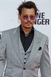 Johnny Depp Künstlerporträt 800519 Johnny Depp / Filmpremiere