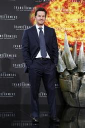 Mark Wahlberg Filmbild 863694 Transformers: Ära des Untergangs / Filmpremiere / Mark Wahlberg
