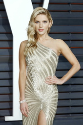 Katheryn Winnick Künstlerporträt 913494 Winnick, Katheryn / Vanity Fair Oscar Party 2015