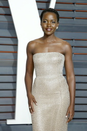 Lupita Nyong'o Künstlerporträt 913596 Nyong'o, Lupita / Vanity Fair Oscar Party 2015