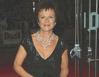 Julie Walters lässt nicht die Hüllen fallen