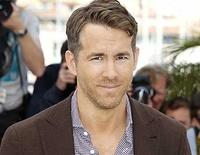 """Ryan Reynolds zweifelt in """"Truth In Advertising"""" an seinem Leben"""
