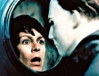 "Gruselkult: Jamie Lee Curtis und Michael Myers in ""Halloween"""
